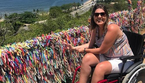 Ketly Vieira: viagens acessíveis, positividade e fiscalização para o bem